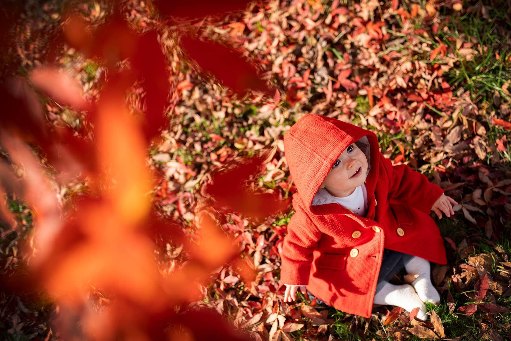 Virginie Bouyer est une photographe professionnelle basée à Montévrain en Île-de-France proposant des prestations avec votre bébé en lifestyle et studio